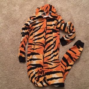 Cute tiger onesie💎